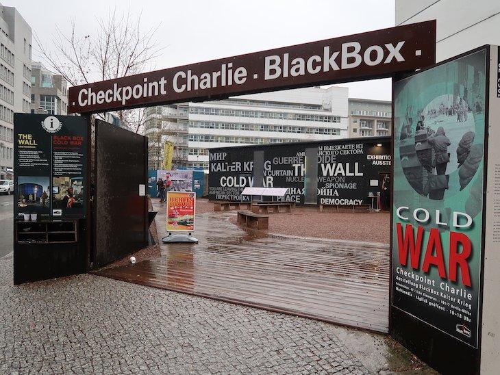 Checkpoint-Charlie-Black-Box-Berlim-©-Viaje-Comigo