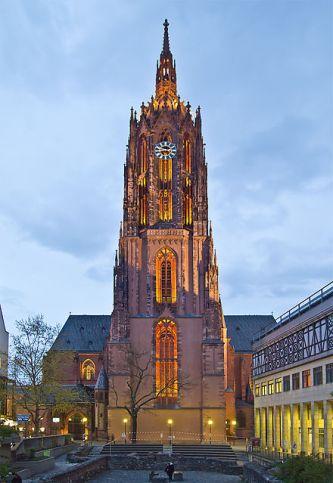 440px-Frankfurt_Dom_Abend
